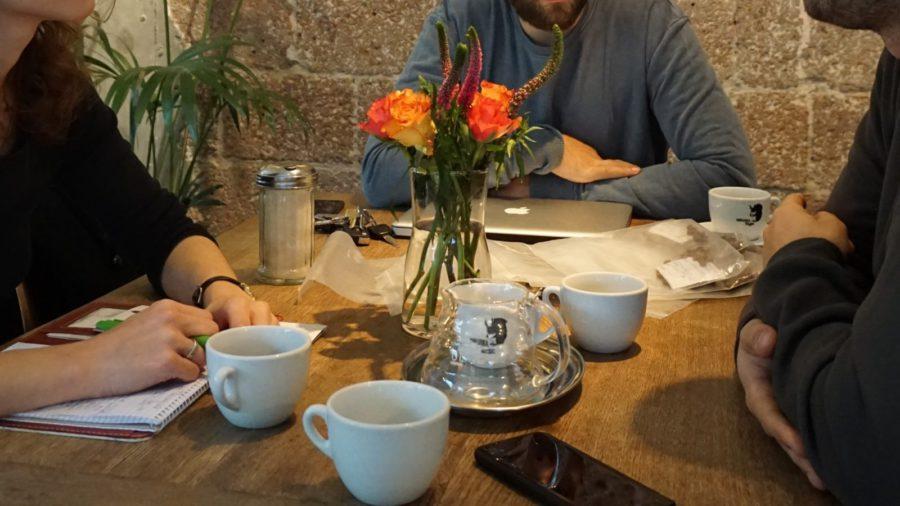 Zeitungsbericht: Kaffeebohnen von Freunden Vorschaubild
